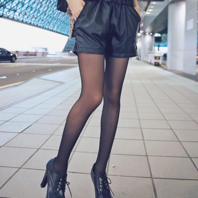 La Belleza鬆緊腰側口袋皮質短褲