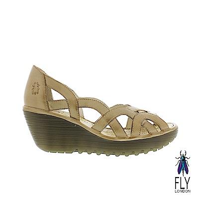 Fly London(女) 鏤空的線條 牛皮平高底楔型鞋-慕斯白