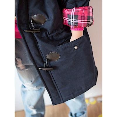 高含棉袖反褶格紋牛角釦毛邊連帽鋪棉外套-OB大尺碼