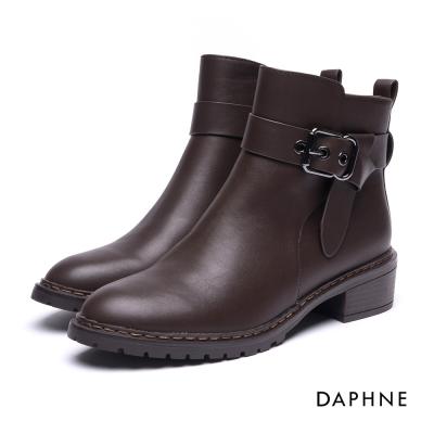 達芙妮DAPHNE 短靴-扭結皮帶釦拼接粗跟短靴-咖啡