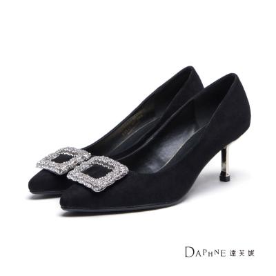 達芙妮DAPHNE 高跟鞋-水鑽方釦絨面中跟尖頭鞋-黑