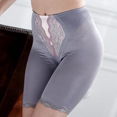 【羅絲美】溝影塑型五分修飾褲 (雲霧灰)