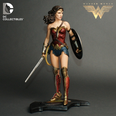 Amuzinc酷比樂 DC 蝙蝠俠對超人 正義曙光 13吋 神力女超人 黛安娜 雕像