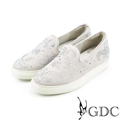 GDC-珍珠水鑽滿版真皮平底懶人休閒鞋-米杏色