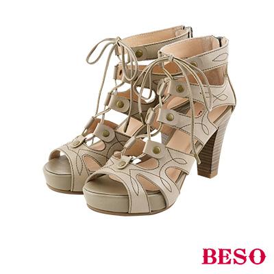 BESO 羅馬風情 鉚釘鏤空裝飾車線綁帶涼鞋~灰