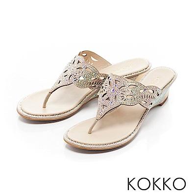 KOKKO-華麗年代蝴蝶紋夾腳楔型涼鞋-金