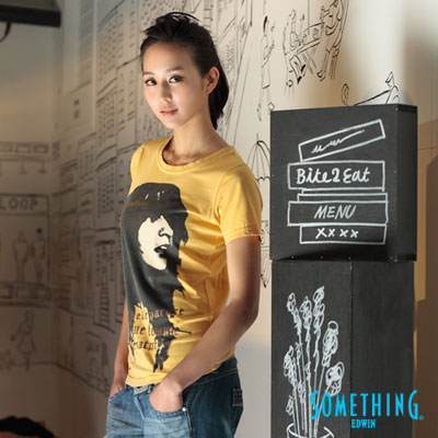 SOMETHING-隨性休閒-個性女子印花圓領T恤-女款-黃色