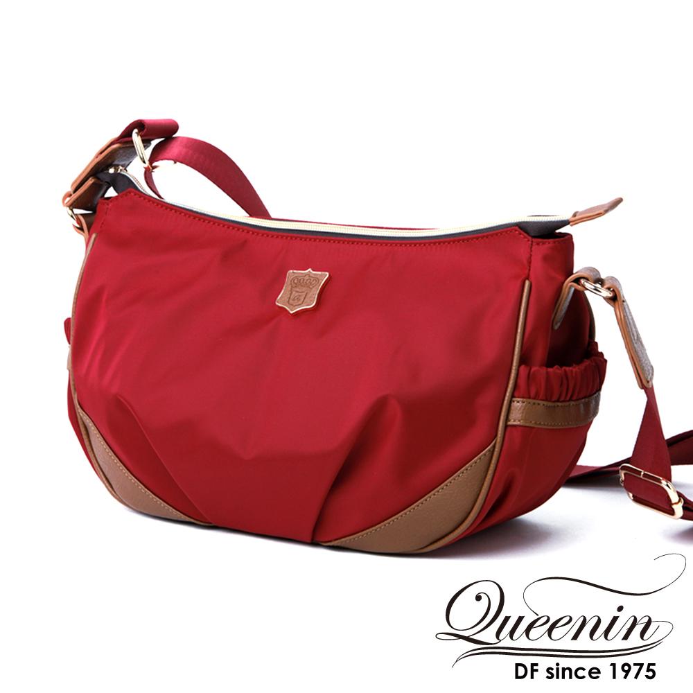 DF Queenin日韓 - 日本暢銷休閒款尼龍式側肩包-紅色