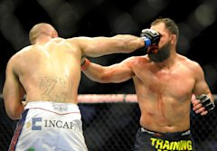 Johny Hendricks' fight with Robbie Lawler wasn't an easy one. (AP)