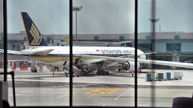 Singapore Airlines flight from US gets bomb threat