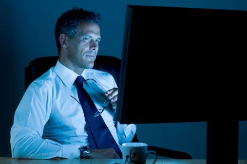العمل ليلا يضر بصحة الرجل وفق آخر الدراسات 92043850-jpg_120746.