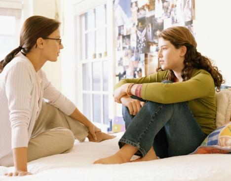 كيف يمكن أن يتعامل الأهل مع المراهقين؟ teenager-JPG_092336.